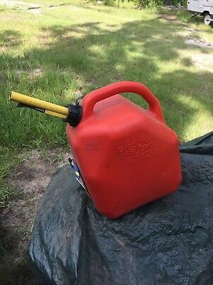 Scepter 5 Gallon Plastic Self Venting Gas Can Gasoline Fuel Jug Old Style Jerry