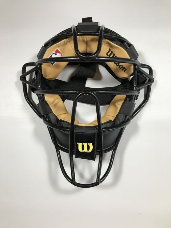 Wilson Traditional Umpire Mask