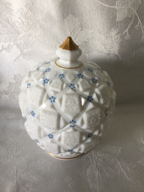 Westmoreland Milk Glass Lidded Candy Dish Old Wuilt Pattern Hand Painted Blue Fl