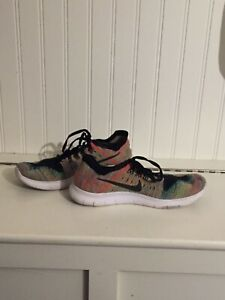 Nike multicoloured flynit sneakers Men's size 6.5 great cond.