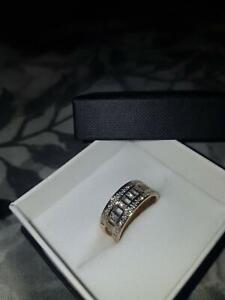 9ct solid gold ring