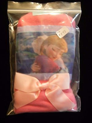 """Childs Bath Powder Puff/Mitt featuring Assorted Characters From Disney's """"Frozen"""