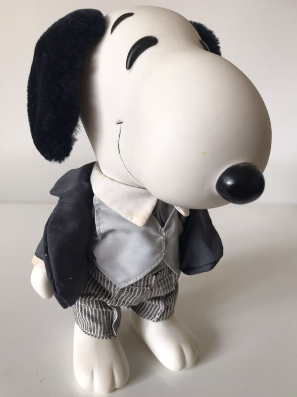 """VINTAGE SNOOPY 7"""" Figure In Groom Suit United Feature Syndicate"""