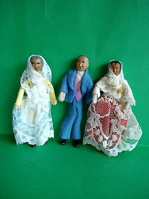 VINTAGE DOLLS HOUSE - RARE DOL-TOI ASIAN FAMILY DOLLS - 16TH SCALE