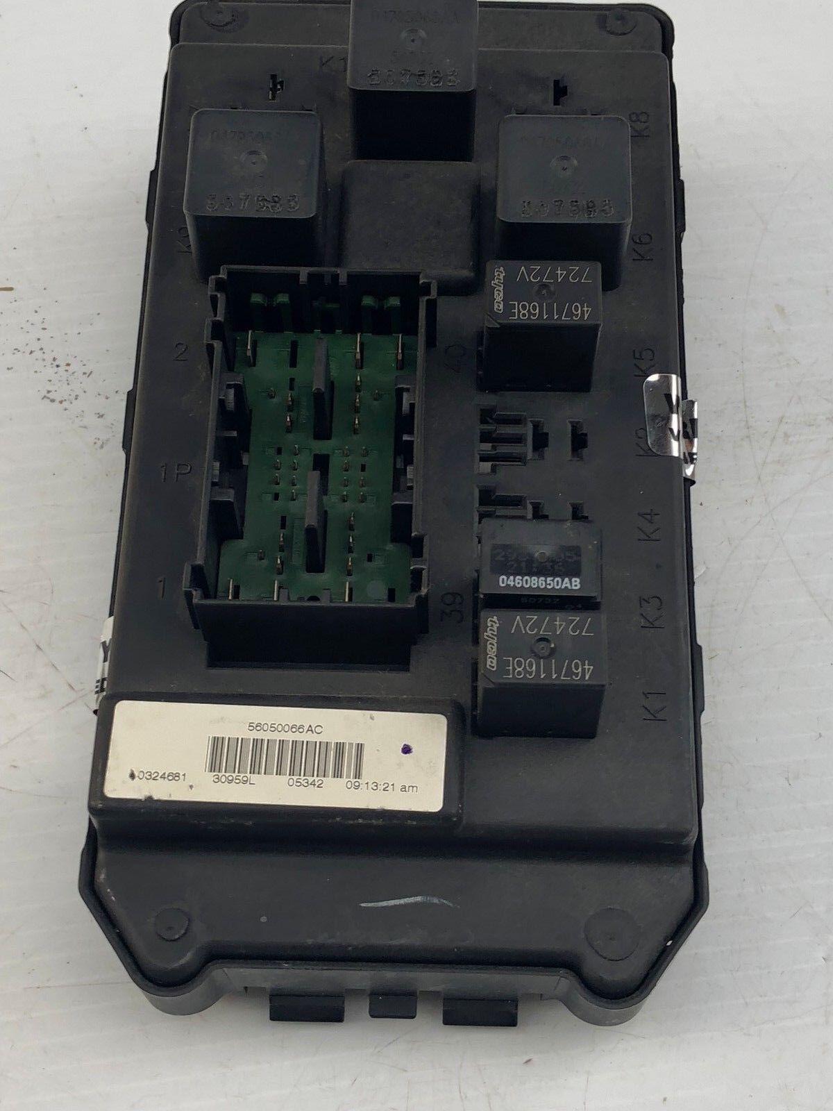 2006 Jeep Commander Grand Cherokee Fuse Box Relay Control Module 56050066AC OEM
