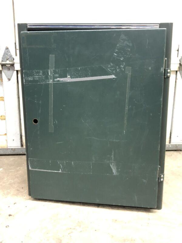 "Vintage MWI green 19"" 15U equipment rack"