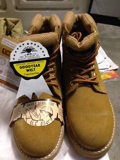 work boots brahma Horningsea Park Liverpool Area Preview
