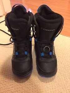 Junior Firefly Snowboard Boots - size 3.5