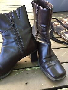 2 pairs of brown boots ! size 6