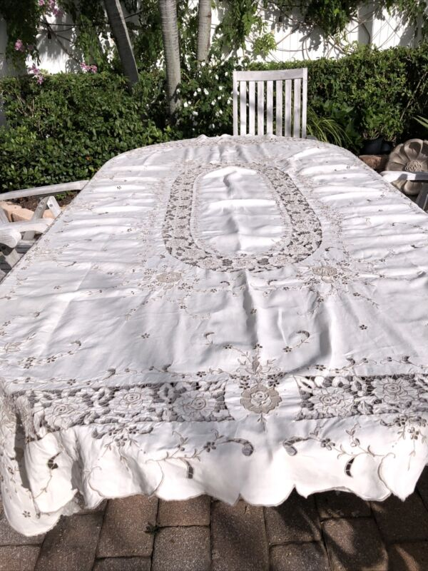 "Gorgeous Linen Madeira Embroidery Cutwork Table Cloth 98X67"" &10 Napkins 23X22"