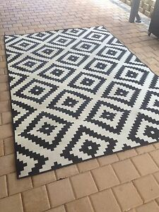 IKEA rug  2m X 3m Duncraig Joondalup Area Preview