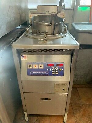 Broaster Pressure Fryer 1800 Gas In Excellent Condition With Filter Cover