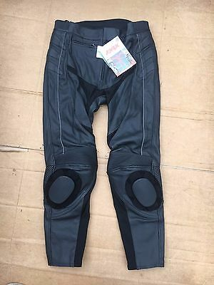"""Weise Ladies Leather Motorcycle Trousers UK 20   38"""" Waist  rrp £189.99  LBB"""