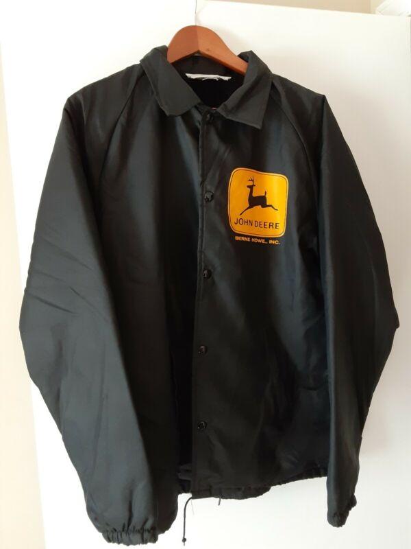 John Deere Berne Hardware Inc. Sherpa Lined Jacket Size M Chalk Line