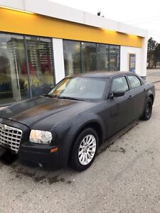 2006 Chrysler 300 RWD/ 245000km/ looking to trade *please read*