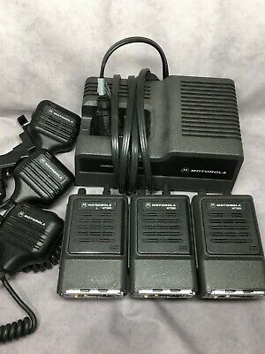 Lot Of 3 Motorola Mt1000 Handie Talkie Radio W 1pc Battery Charger 3pc Mic 6