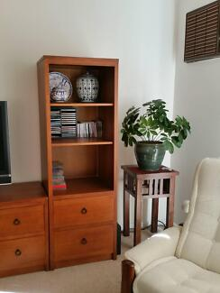 Bookcase/Shelf unit with drawers