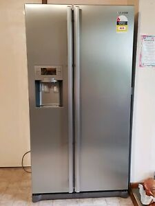SAMSUNG FRIDGE FREEZER 585Lt