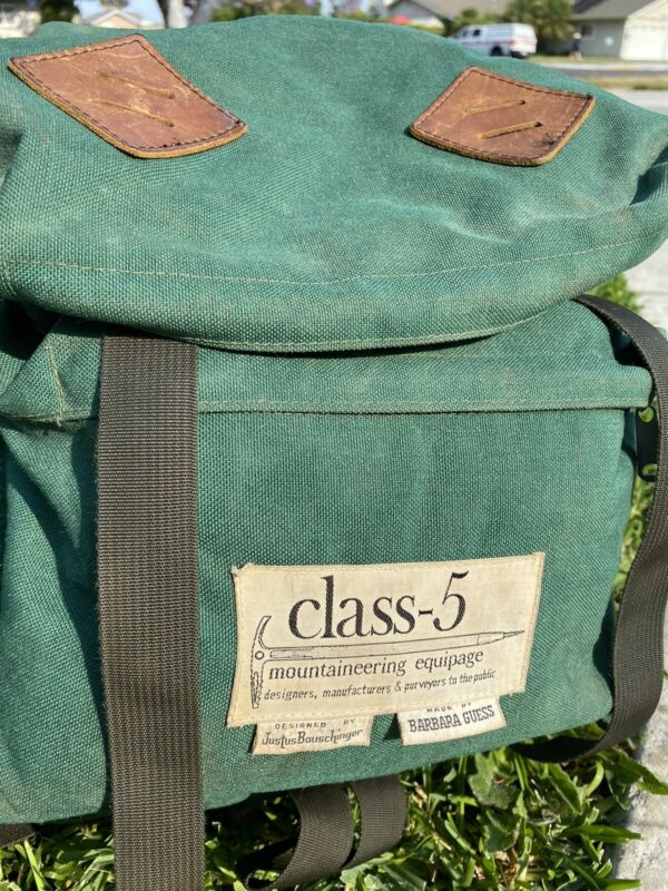 Class 5 - Daypack (original label) - vintage 1971.  Mountaineering Equipage