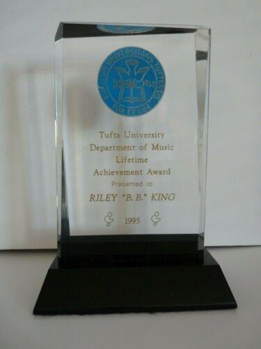BB King OWNED Tufts Lifetime Achievement Award 1995 JULIEN