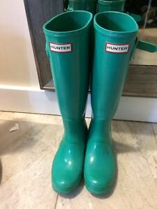Size 37 women's tall turquoise hunter boots- 80$