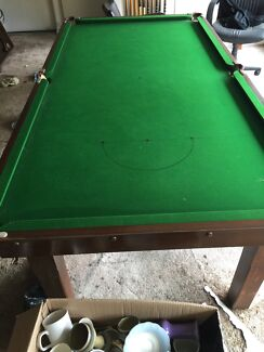 Billiard table freee with cues and table top