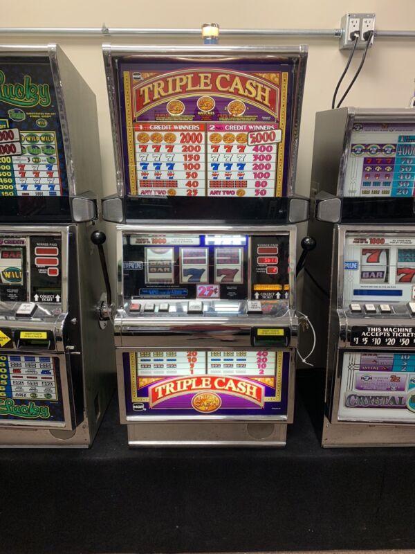 IGT S2000 Slot Machine