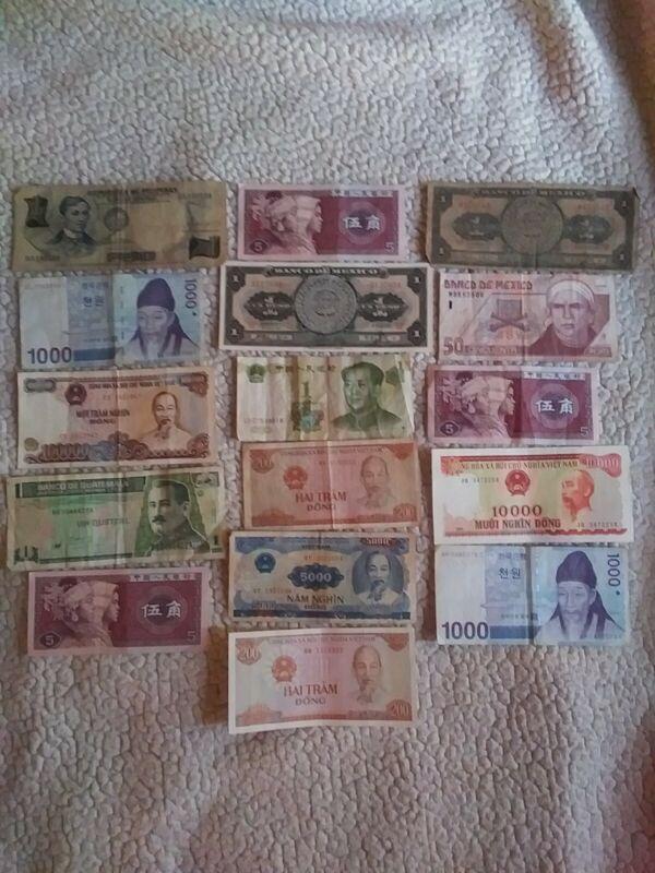 Vintage lot of 16 Banknotes, Assorted World Paper Money