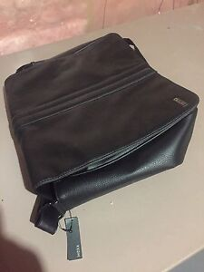 Men's leather laptop carrying bag