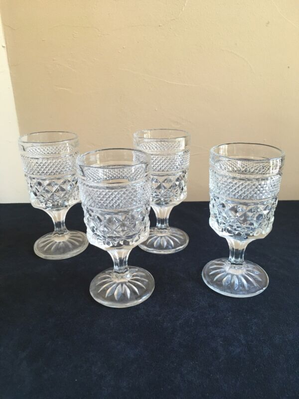 "SET OF 4 Anchor Hocking WEXFORD Pedestal 5-3/8"" Claret Wine Glasses"