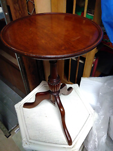 Wood side table Lane Cove West Lane Cove Area Preview