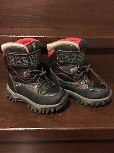 Boys size 1 Cougar Winter Boots