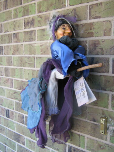 """RARE KASMA COLLECTION WITCHES OF PENDLE FLYING HALLOWEEN WITCH DOLL 22"""" HAND-PAI"""