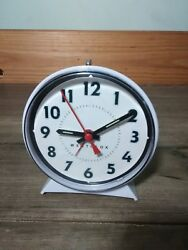 Westclox Analog Quartz Classic Alarm Clock 1216 Windup collectible piece look