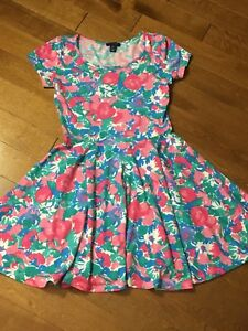 Women's size small UK 2 LA flowered dress