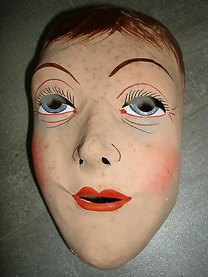 Carnelval Maske Pappmaschee Karneval Fasching alt Kostüm Halloween junge Frau