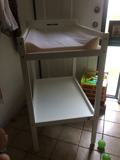 Changing baby table