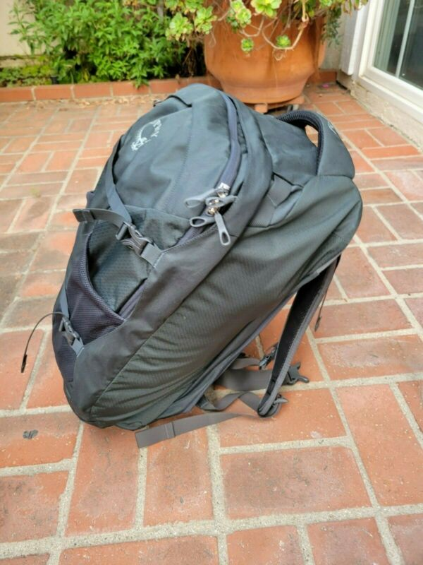 Osprey Farpoint 40 liters S/M Travel Backpack Volcanic Grey. Great condition!