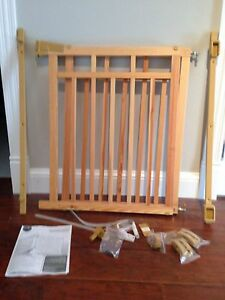 Banister & Stair Gate with Dual Installation Kit