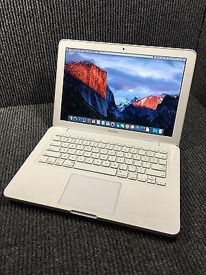 Apple MacBook MC207LL/A 2009 Intel Core 2 Duo 2.26GHz 2GB RAM 250GB HDD Warranty