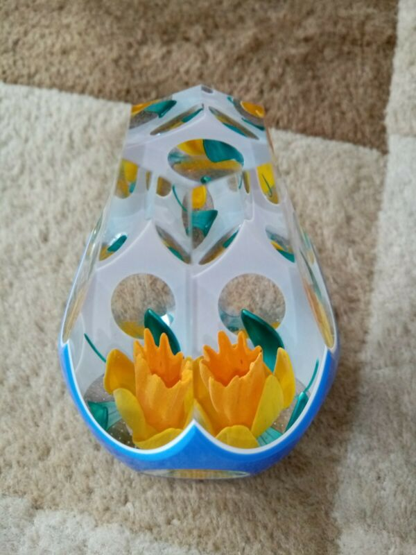 Caithness Glass Daffodil Surprise Paperweight