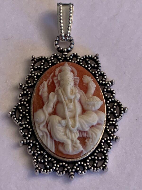 *SALE*  HINDU GANESHA BUDDHA CAMEO PENDANT. carnelian/silver open Scroll set