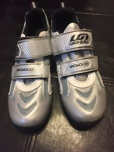 Woman's cycling shoes