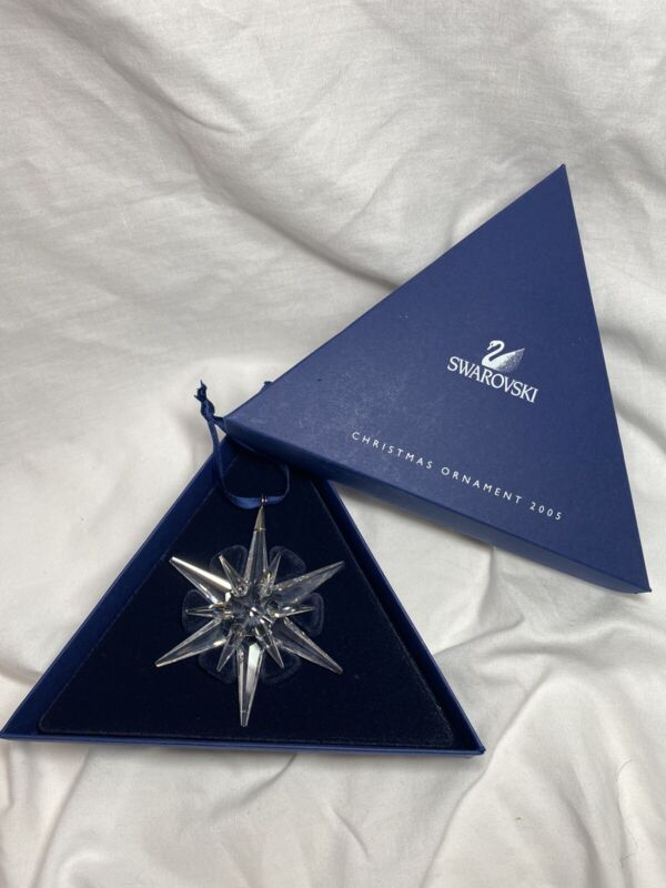 SWAROVSKI ANNUAL CHRISTMAS ORNAMENT 2005 #680502