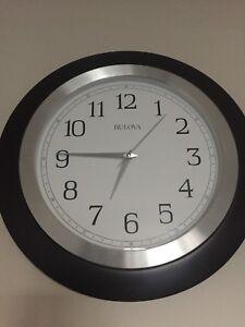 Horloge murale de marque Bulova
