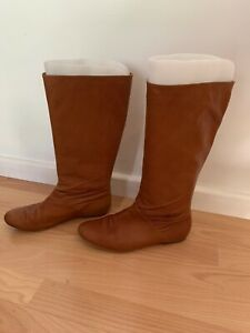 Size 39 mid height brown boot- Witchery