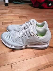 Nike Zoom Running Shoes Mint Condition Size 9