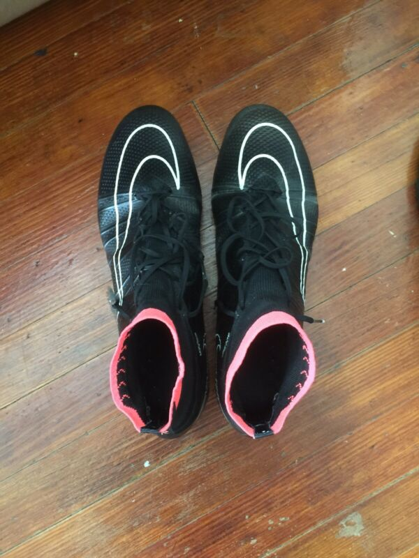 Men's nike mercurial vapor superfly Size 10 Black and Red