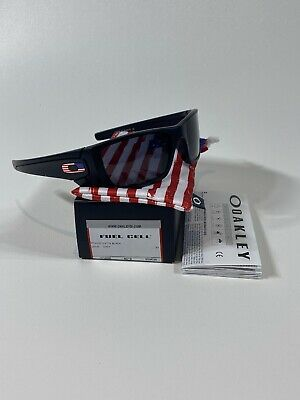 Oakley Fuel Cell Sunglasses OO9096-38 Matte Black W/ Grey Lens Flag (Oakley Collection)