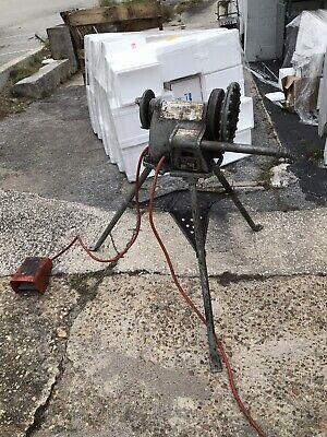 Ridgid 300 Pipe Threader With Carriage Cutter Reamer And Bucket